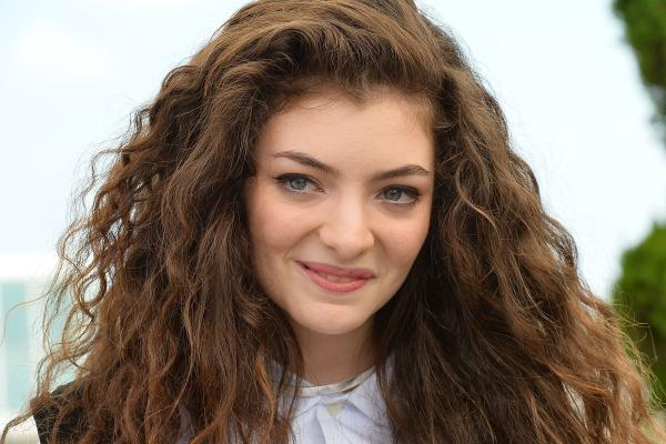 Lorde-Trending-Celebrity-07