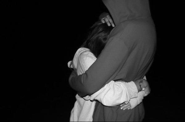 Tall-Girls-can-Hug-Better