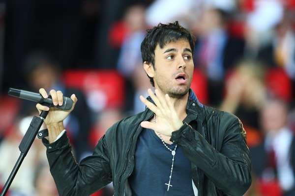 Enrique Iglesias On Stage Injury