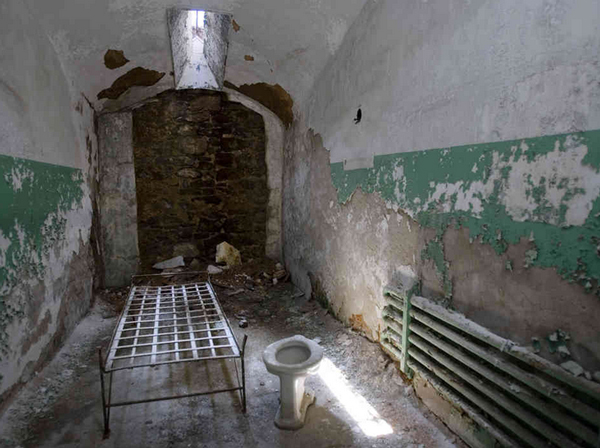 15 Most Horrifying Prisons in the - 179.3KB