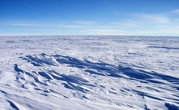 Dome Fiji Ridge East Antarctic Plateau is the Coldest Place in the World