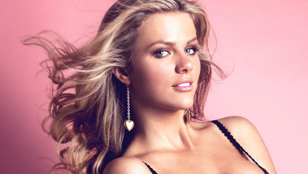 Brooklyn Decker Sports Illustrated Swimsuit Model