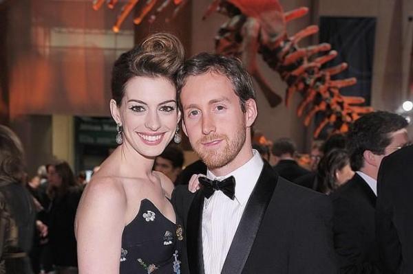 Anne Hathaway With Husband Adam Schulman