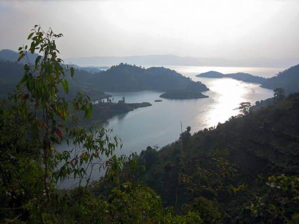 Lake Monoun