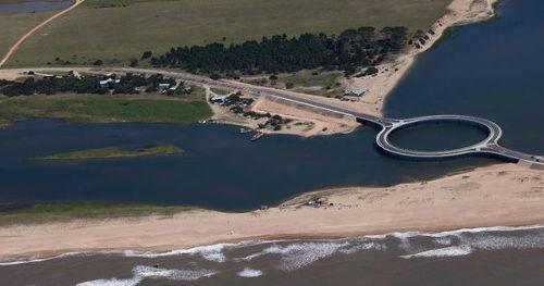 Laguna Garzon Bridge - A Ring Shaped Architecture