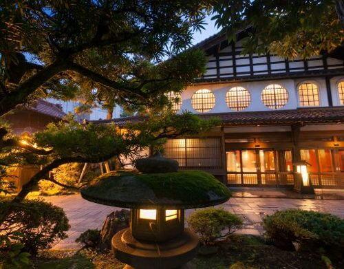 nishiyama onsen keiunkan hotel
